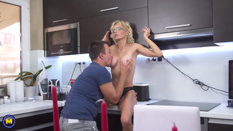 Mature woman blonde lover fucks great