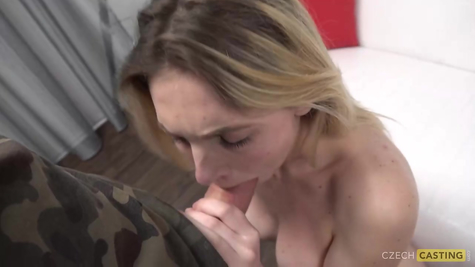 Кастинг в порно, хуй проверяет телочку