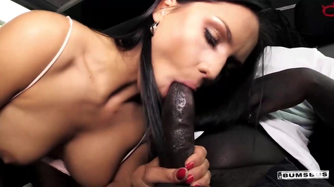 The Negro takes off the slut and fucks the bitch perfectly
