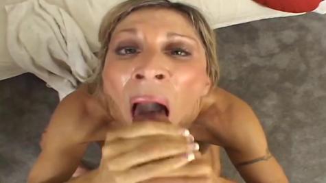 Moms in cum, cumming on mature sluts