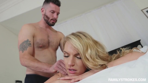 Licks pussy blonde and gives chick a dick to suck