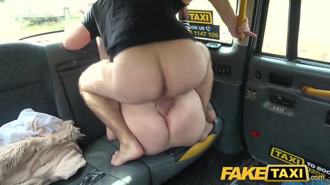Taxi driver has a slut right in his car