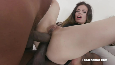 In anal, pussy and mouth, blacks cool fuck a beautiful skin