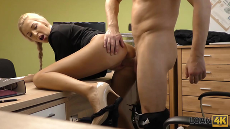 Fucking in the office, boss and blonde bitch