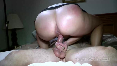 Mature blonde milf loves to fuck