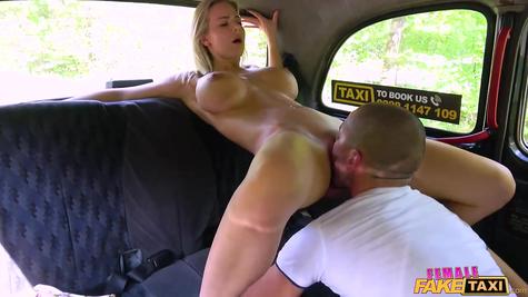 Passenger taxi driver fucks great