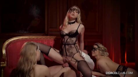 Красотки для одного члена, жаркая групповая порнушка