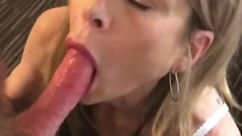 Best Blowjob From Mom