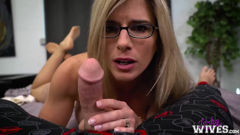 Milf bitch loves to fuck