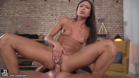 In her mouth, vagina and anus she fucks her beautiful chick
