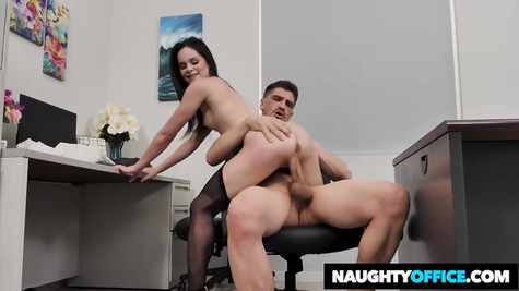 Fucks an accessible working brunette chick in the office