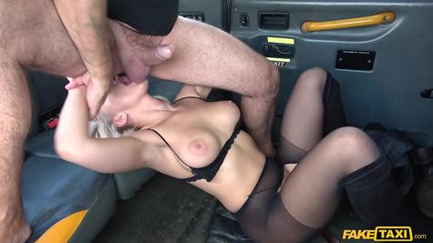 Hard sex slut in car gets fried