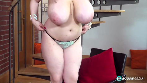 Busty Juicy Chick Solo