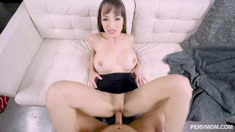 Секс со зрелой женщиной от первого лица