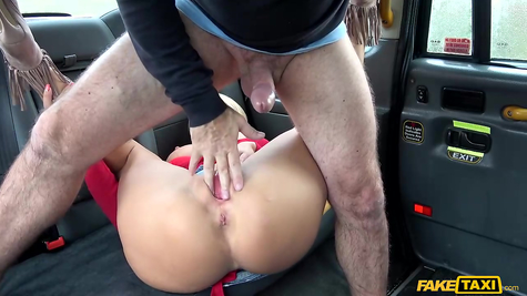 Taxi driver and slut slut for his healthy penis