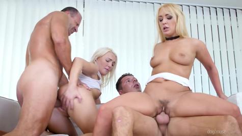 Две секси шлюхи на два массивных члена