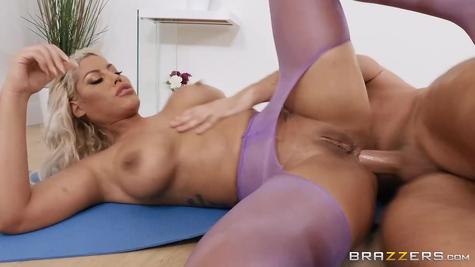 Зрелую бабу в анал - горячая крутая порнография