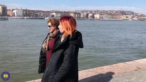Две лесбиянки занимаются сексом