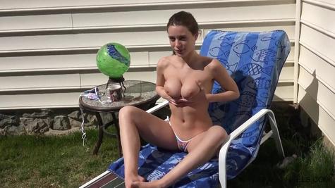 Porn model Lana Rhoades masturbates wickedly