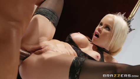 Gorgeous pornstar Nikki Delano has dirty sex