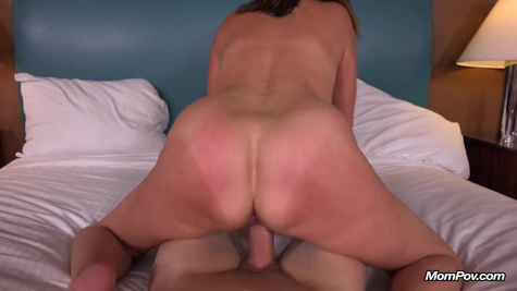 Intense anal fuck of an experienced lady ends with a high
