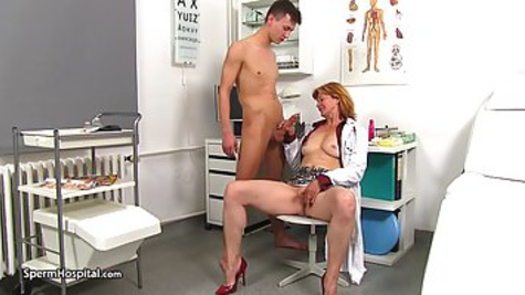 The guy comes for examination at the hospital and fucks a mature doctor