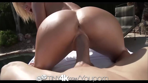 Erotic massage and cool follow-up fuck