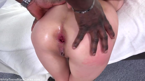 Black male harlot arranged a spanking in all her holes