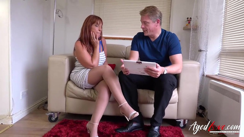 A dude made a lonely neighbor happy by fucking her in a wet pussy