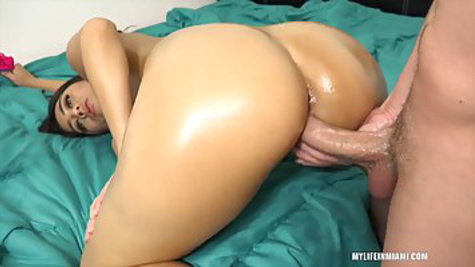 Chel spies on a friend with big milkings and has her