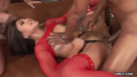 The Asian girl has developed holes and she gives in both holes to two partners