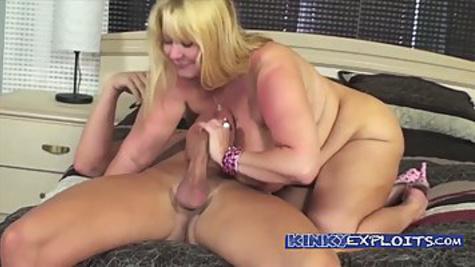Fat busty mom sucks huge cock of her partner before hardcore sex
