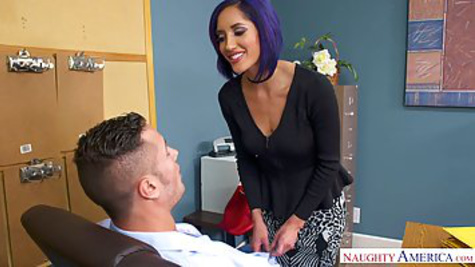 Mature MILF in black stockings gets hardcore sex with her boss in the office