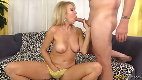 Naughty blonde granny with big tits makes a blowjob to her naighbor and trying the hot sperm on the taste