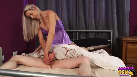 Dirty minded blonde wasn't give her man sleep and made a great blowjob until he got an orgasm