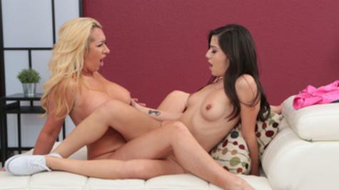 Janna Hicks and Natalie Brooks have a passionate lesbian sex