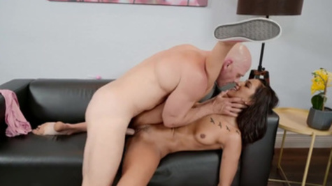 Long-legged slut Jaye Summers drilled fast and hard