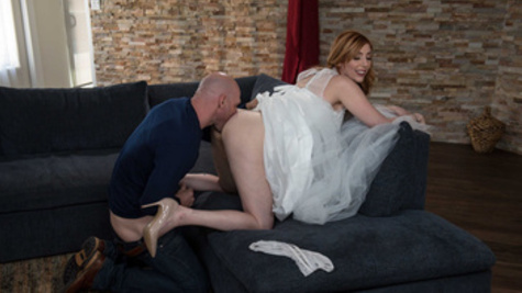 Bride Lauren Phillips seduces a friend of her broom before ceremony