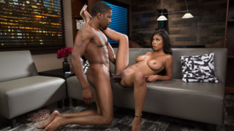Ebony babe Nia Nacci has awesome sex with her black client