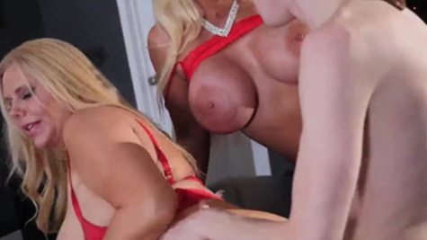 Adult lovelies Karen Fisher and Alura Jenson have Christmas threesome
