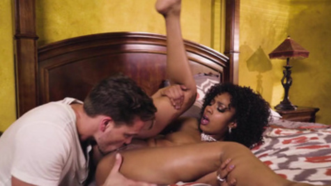 White guy manages to fuck a girlfriend Sarah Banks and her stepmother