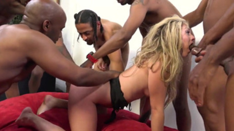 Enthralling and raunchy gangbang party for Mellanie Monroe