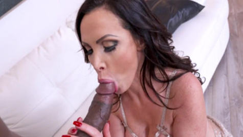 Sweet beauty,Nikki Benz, craves for inches down her warm pussy