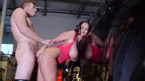 Staggering porn special along huge tits milf, Ava Addams