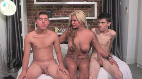 Mom shares pussy for two young lads in dirty threesome special