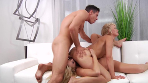 Dazzling threesome with top Anikka Albrite and  Summer Brielle