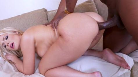 Big ass mommy, Anikka Albrite, slutty interracial porn experience