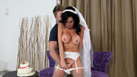 Bride to be, Veronica Avluv, cheats with future's hubby's dad