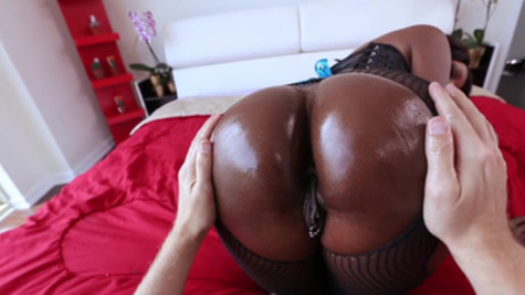 Ebony, Diamond Jackson, fucked deep in the ass during extreme interracial