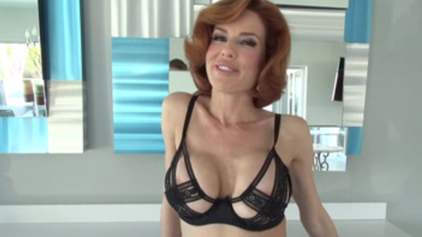 Stunningly beautiful Veronica Avluv needs lusty pleasuring